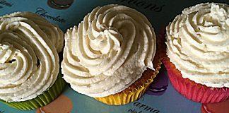 cupcakes twinkie à la banane avec glaçage ermine